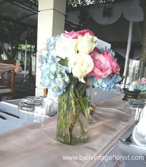 rose mix blue hotensia centerpiece
